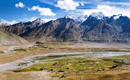 Vista do vale de Zanskar em torno da vila de Padum Fotografia de Stock