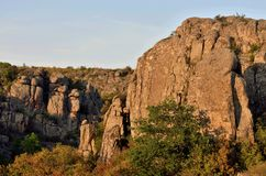 Vista do vale do ` s do diabo na garganta de Aktovo do granito, Ucrânia Imagens de Stock