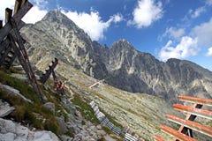 Vista do veza de Velka Lomnicka - repique em Tatras alto, Eslováquia Fotos de Stock Royalty Free