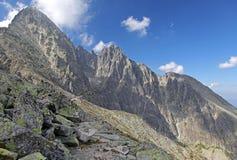 Vista do veza de Velka Lomnicka - repique em Tatras alto, Eslováquia imagem de stock