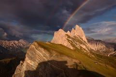 Vista dopo la tempesta nel paesaggio idilliaco della montagna Fotografia Stock Libera da Diritti
