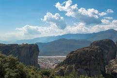 Vista dos penhascos em Meteora foto de stock royalty free