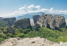 Vista dos penhascos em Meteora fotos de stock