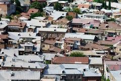 Vista dos telhados da cidade velha em Tbilisi foto de stock royalty free