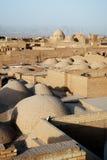 Vista dos telhados no yazd Irã imagens de stock