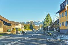 Vista e campagna della strada in Svizzera nell'inverno Immagini Stock Libere da Diritti