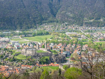 Vista e montagne di paesaggio urbano di Bellinzona Fotografia Stock Libera da Diritti