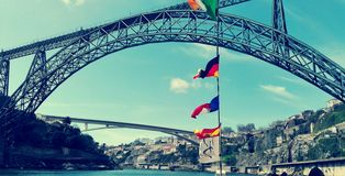 Vista e paesaggio del ponte di Oporto fotografia stock