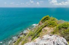 Vista e scogliera del mare Immagini Stock Libere da Diritti