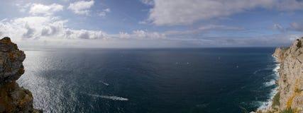 Vista e vele di oceano di Espichel del capo Fotografia Stock