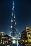 Vista em Burj Khalifa, Dubai, UAE, na noite Foto de Stock