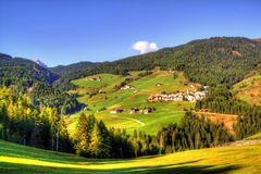 Vista em dolomites italianas, cumes fotografia de stock