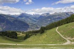 Vista em montanhas acima do Vale de Aosta Imagens de Stock Royalty Free