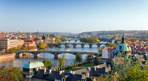 Vista em pontes de Praga Imagens de Stock