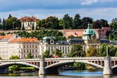 Vista em pontes de Praga no dia ensolarado Fotografia de Stock