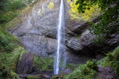 Vista em quedas de Elowah, Oregon fotos de stock