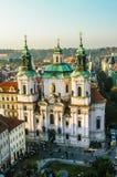 Vista em Saint Nicholas Church em Praga Foto de Stock