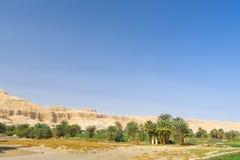 Vista em túmulos dos nobres, Egito imagem de stock