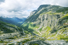Vista em Trollstigen famoso Imagens de Stock Royalty Free