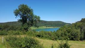 Vista em um lago em França Foto de Stock