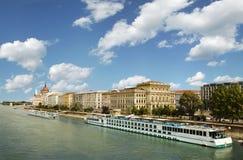 Vista em uma ponte em Budapest Foto de Stock Royalty Free