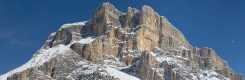 Vista enorme di panorama delle dolomia nel tempo della neve di inverno Immagine Stock Libera da Diritti