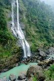 Vista entera de la cascada en el distrito de Wulai Foto de archivo libre de regalías