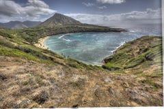 Vista escénica asombrosa hermosa de la bahía Oahu Hawaii de Haunama imagen de archivo