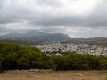 Vista escénica de la ciudad de Rethymno de la fortaleza medieval Fortezza imagen de archivo