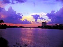 Vista escénica de la puesta del sol Imagen de archivo libre de regalías