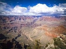 Vista escénica de la salida del sol en el parque nacional de Grand Canyon, Arizona, los E.E.U.U. Fotografía de archivo