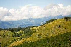 Vista escénica de las montañas de Parang, Cárpatos meridionales, Rumania fotografía de archivo