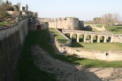 Vista escénica de ruinas debajo de un cielo azul Imagen de archivo
