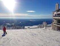 Vista escénica de una estación de esquí Mont-Tremblant fotos de archivo libres de regalías