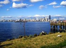 Vista escénica del horizonte de Seattle de Alki Imagenes de archivo
