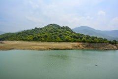 Vista escénica del lago Khanpur, Paquistán Imagen de archivo