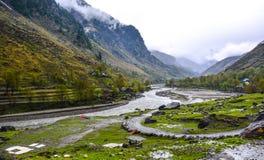 Vista escénica del río de Kunhar en Naran Kaghan Valley, Paquistán Imagen de archivo