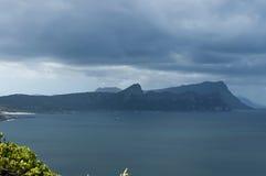 Vista escénica a la bahía y a la península falsas del cabo Fotografía de archivo