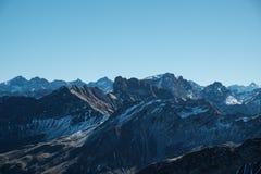 Vista espetacular dos cumes de Allgaeu perto de Oberstdorf, Alemanha Foto de Stock
