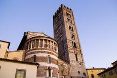 Vista esteriore del dettaglio della cattedrale di Lucca Immagine Stock