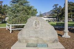 Vista esteriore della pietra della biblioteca e di William n Monroe di Monrovia Fotografia Stock