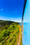 Vista esterna del treno turistico dell'alpeggio dello Sri Lanka Fotografia Stock