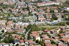 Vista excitante ao redor dos montes de São Marino foto de stock royalty free
