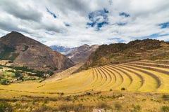Vista expansiva de las terrazas del inca en Pisac, valle sagrado, Perú fotos de archivo libres de regalías