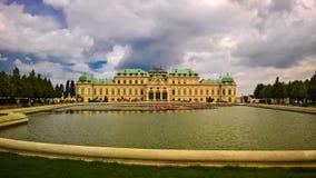 Vista exterior ao palácio superior do Belvedere em Viena, Áustria fotos de stock royalty free