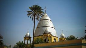 Vista exterior ao túmulo de Al-Mahdi da imã, Omdurman, Sudão fotos de stock