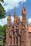 Vista exterior da igreja do St Anne, Vilnius Foto de Stock Royalty Free