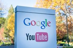 Vista exterior de la oficina de YouTube de Google Fotos de archivo libres de regalías
