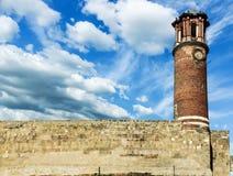 Vista exterior de la torre de Tray Minaret o de reloj fotografía de archivo