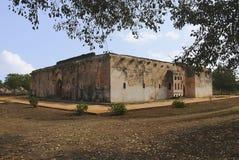 Vista exterior del baño del Queens Centro real o recinto real Hampi, Karnataka imagenes de archivo